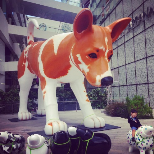 A giant dog at EmQuartier